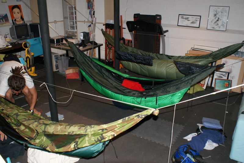Guest hang for How to hang a hammock in a room
