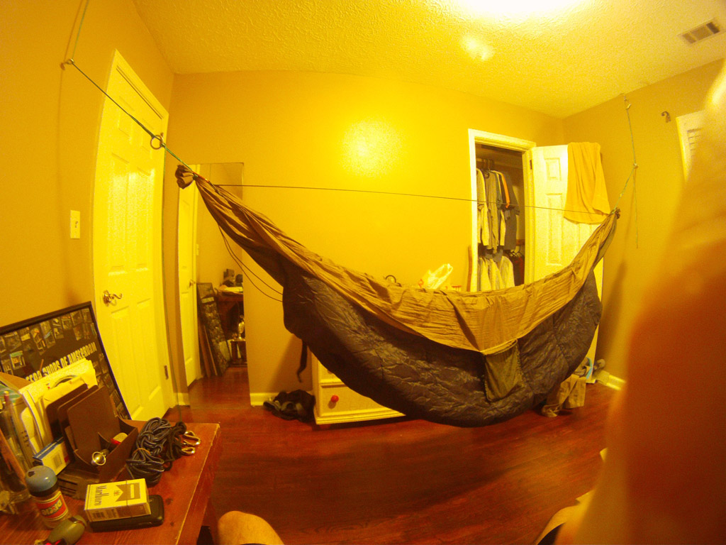 How To Put A Hammock Up In Your Bedroom | www.cintronbeveragegroup.com