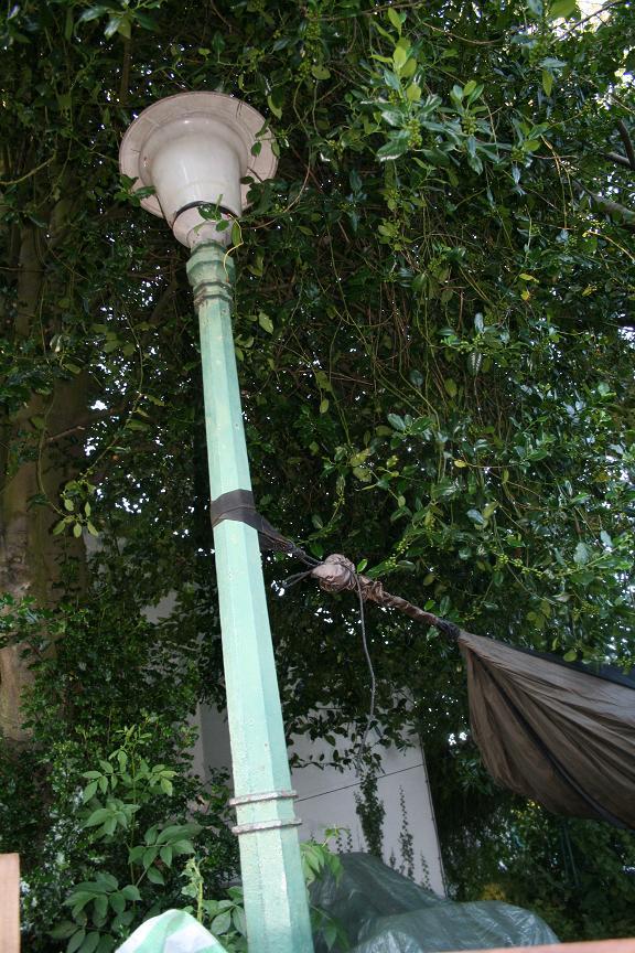 Lamp Post Hanging