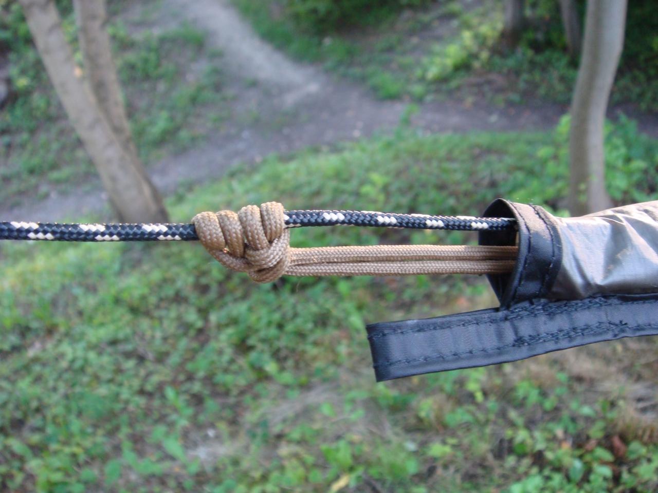 Snakeskins hammock diy snake skins hammock and snake for Diy hammock straps paracord